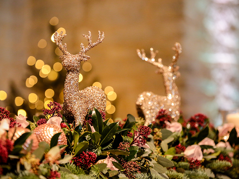 Holly and Richard married in Hampshire barn over the festive period, making the most of it with a sparkling Christmas wedding theme and fairy lights ...