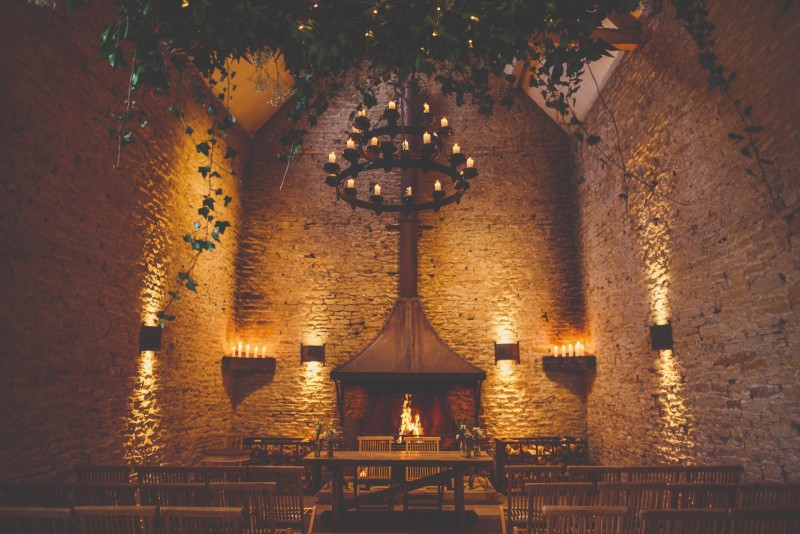 "uk-barn-venues-stone-barn-dan_morris_photography ""width ="" 800 ""top ="" 534 ""srcset ="" https://www.weddingideasmag.com/wp-content/uploads/2018/06/uk-barn-venues -stone-barn-dan_morris_photography.jpg 800w, https://www.weddingideasmag.com/wp-content/uploads/2018/06/uk-barn-venues-stone-barn-dan_morris_photography-300x200.jpg 300w, https: / /www.weddingideasmag.com/wp-content/uploads/2018/06/uk-barn-venues-stone-barn-dan_morris_photography-768x513.jpg 768w, https://www.weddingideasmag.com/wp-content/uploads/ 2018/06 / uk-barn-venues-stone-barn-dan_morris_photography-650x434.jpg 650w ""sizes ="" (max-width: 800px) 100vw, 800px ""/><figcaption id="
