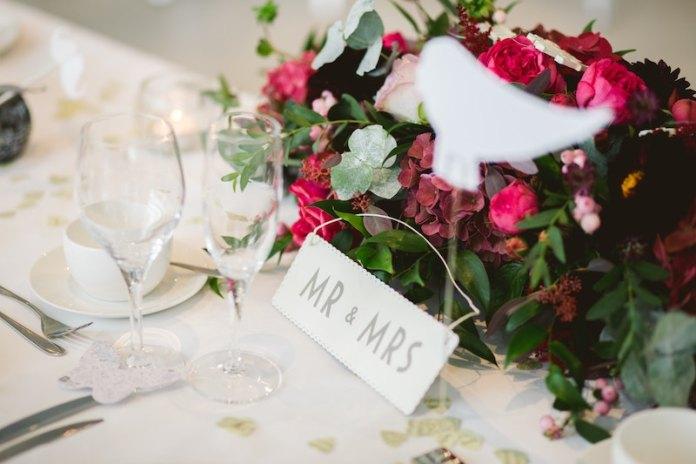 black-friday-wedding-deals-stationary