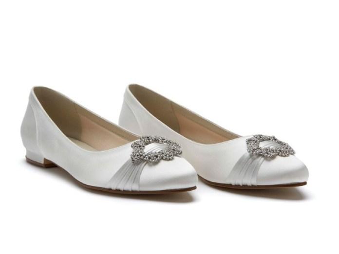 "flat-wedding-shoes-rainbow_club_duclcie_ivory_satin_pair ""width ="" 800 ""peak ="" 600 ""srcset ="" https://i2.wp.com/www.weddingideasmag.com/wp-content/uploads/2019/02/flat-wedding-shoes-rainbow_club_duclcie_ivory_satin_pair.jpg?w=696&ssl=1 800w, https://www.weddingideasmag.com/wp-content/uploads/2019/02/flat-wedding-shoes-rainbow_club_duclcie_ivory_satin_pair-300x225.jpg 300w, https://www.weddingideasmag.com/wp-content/uploads /2019/02/flat-wedding-shoes-rainbow_club_duclcie_ivory_satin_pair-768x576.jpg 768w, https://www.weddingideasmag.com/wp-content/uploads/2019/02/flat-wedding-shoes-rainbow_club_duclcie_ivory6satinx48air. , https://www.weddingideasmag.com/wp-content/uploads/2019/02/flat-wedding-shoes-rainbow_club_duclcie_ivory_satin_pair-80x60.jpg 80w, https://www.weddingideasmag.com/wp-content/uploads/ 2019/02 / flat-wedding-shoes-rainbow_club_duclcie_ivory_satin_pair-265x198.jpg 265w ""sizes ="" (max-width: 800px) 100vw, 800px ""/></p data-recalc-dims="