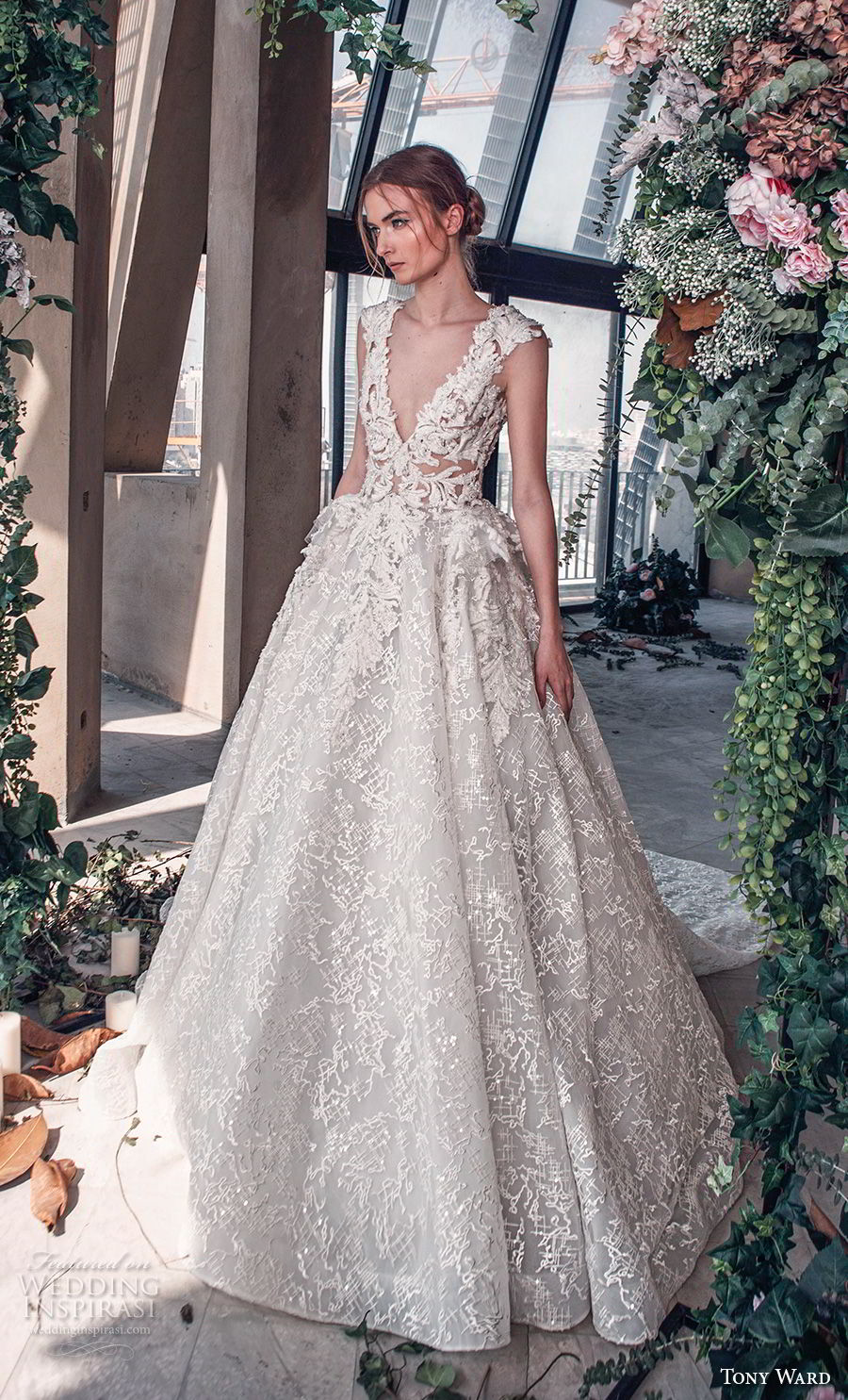 tony ward mariee 2019 cap sleeves deep v neck full embellishment romantic princess ball gown a line wedding dress royal train (5) mv