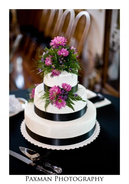 How to choose a wedding cake designer for an LDS wedding reception