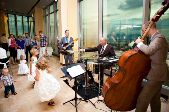 Live bands for LDS wedding receptions