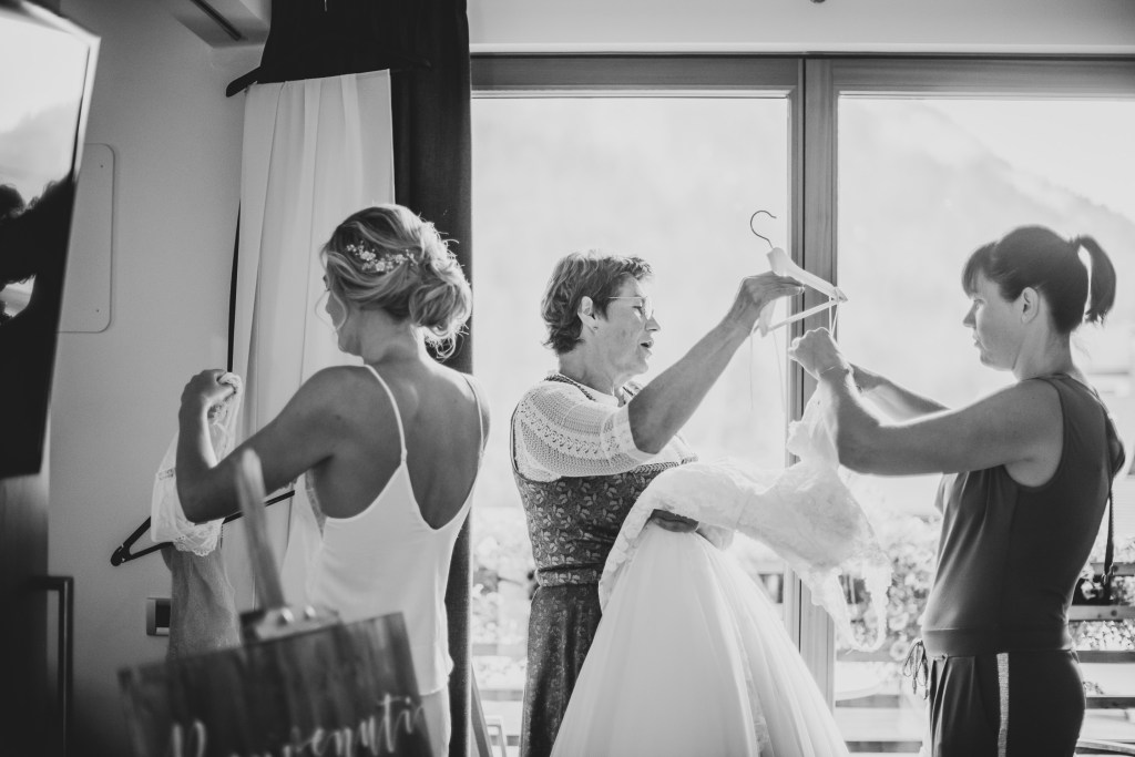 Getting Ready - Bride with mother and sister preparing for her wedding - Intimate Wedding Planning