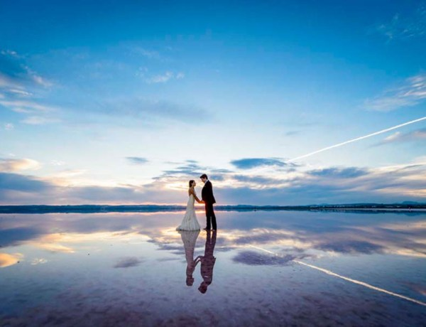 wedding couple on a beach