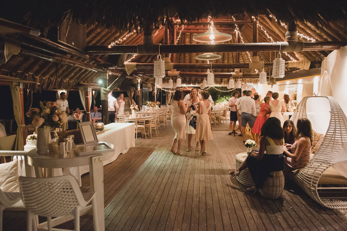 Theros Beach Bar Wedding Venue Santorini Wedding Venues Amp Locations