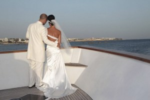 Lovely-yacht-Wedding-couple