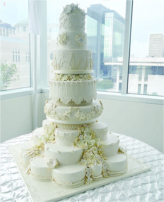 2015 Wedding Cake Trends   Houston Wedding Blog     Multi Layer Wedding Cake with Flowers and Pearls