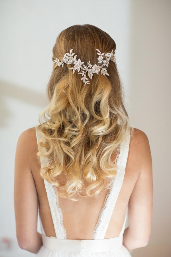 18 Stunning Wedding Hair Accessories For Brides Wearing