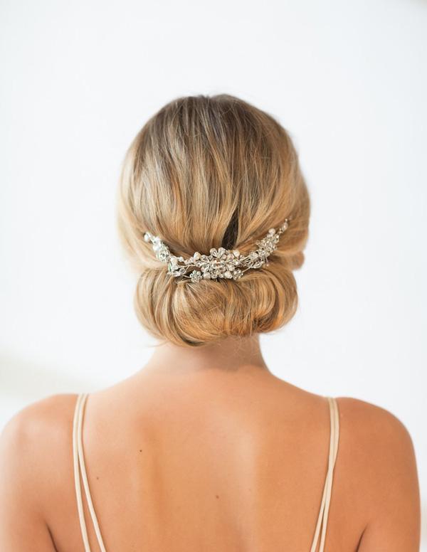 20 Stunning Bridal Hair Accessories Weddingsonline