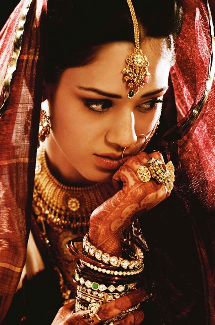 Sneak Peek Into Gujarati Bridal Dress Indias Wedding Blog
