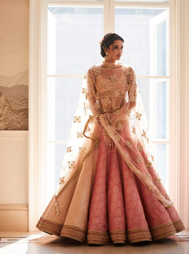 Tarun Tahiliani Designer Bridal Lehengas Saris Wedding Outfits Mumbai Weddingsutra Favorites