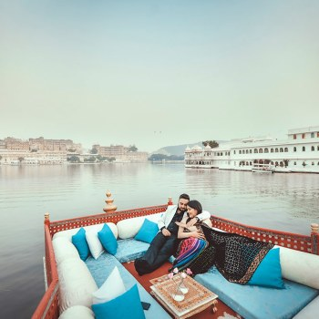 A magnificent wedding proposal aboard a 150-year old royal boat on the shimmering waters of Lake Pichola