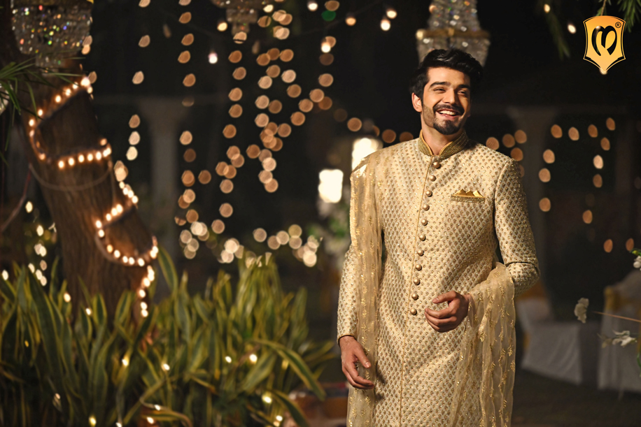This wedding season, there's only one dress code to follow: #DressCodeManyavar