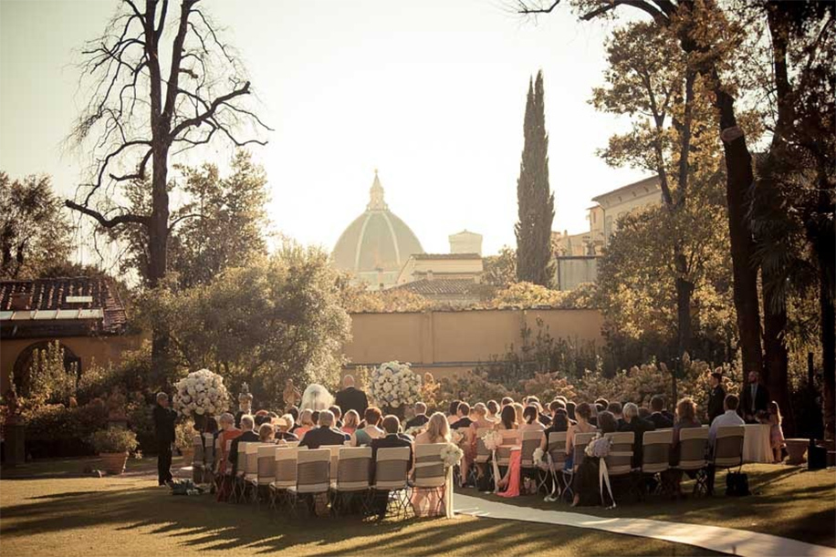 Guide To Planning a Destination Wedding In Italy