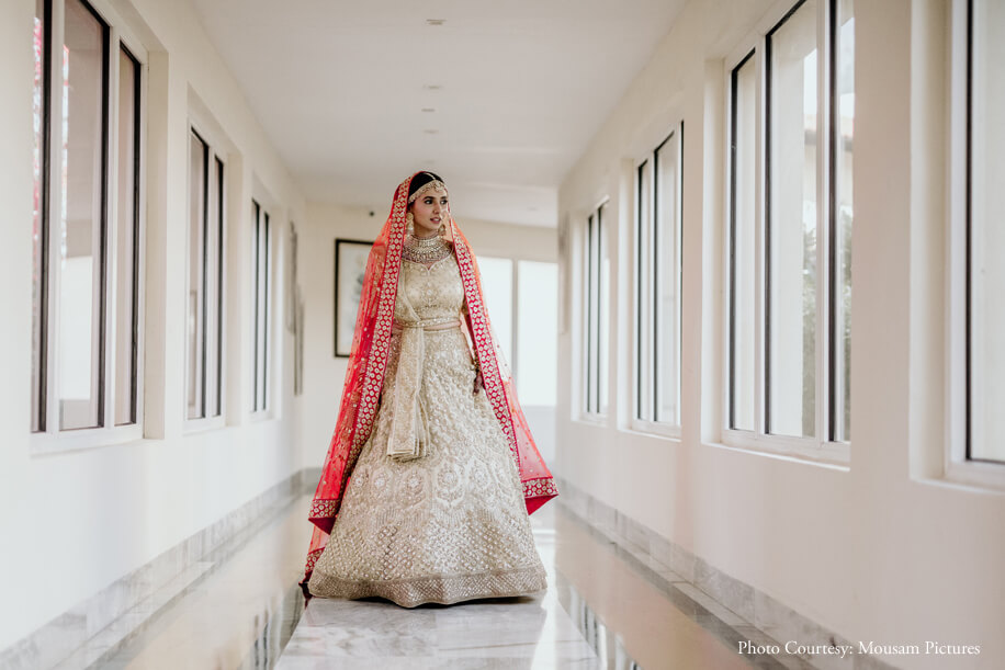 ivory lehenga that was paired with jewellery from Raabta by Rahul Luthra