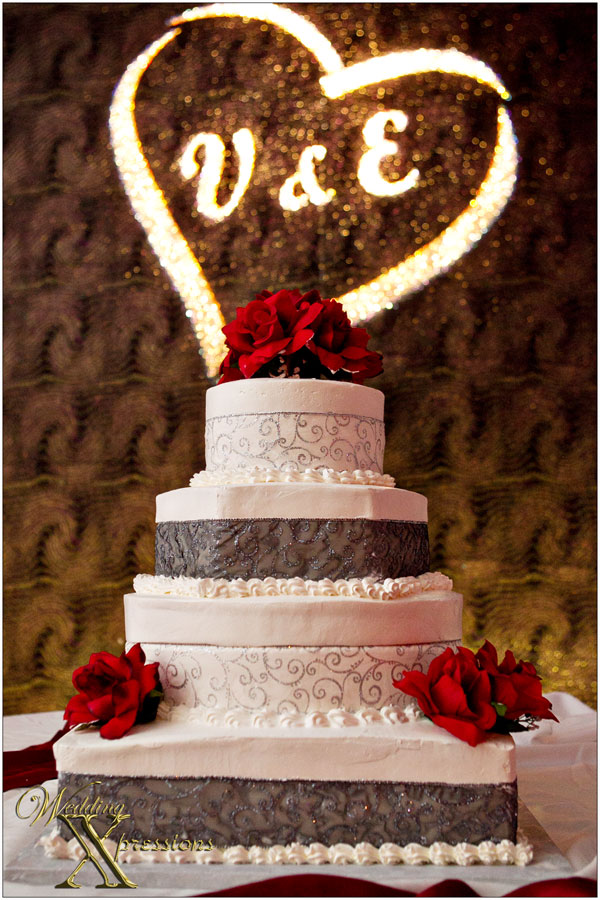 wedding cake at the Mirage Ballroom in El Paso, TX