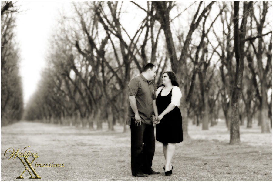 b&w engagement photography