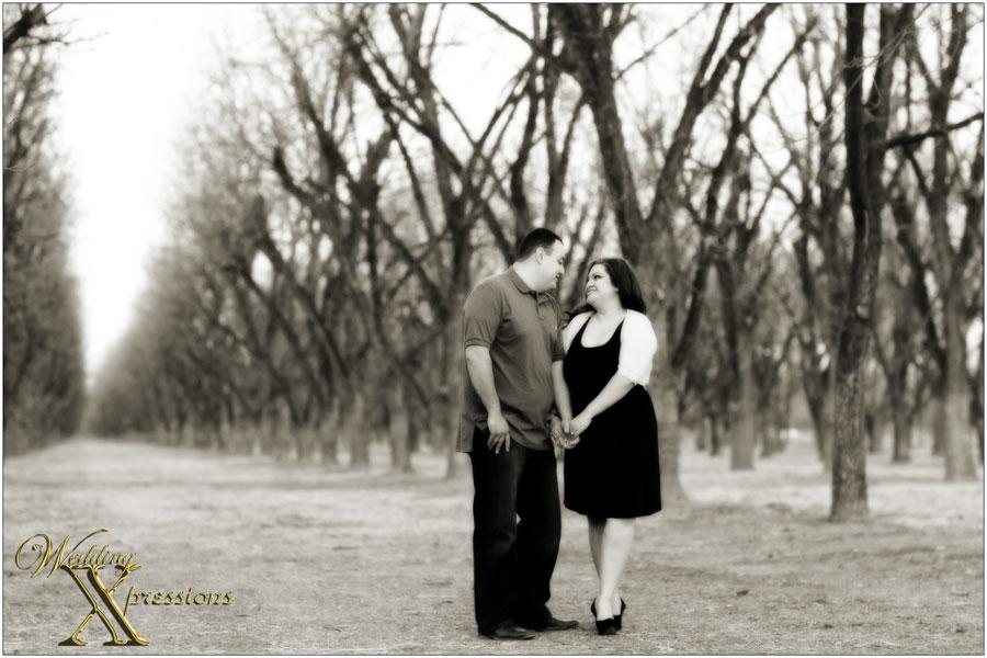 b&w engagement photography