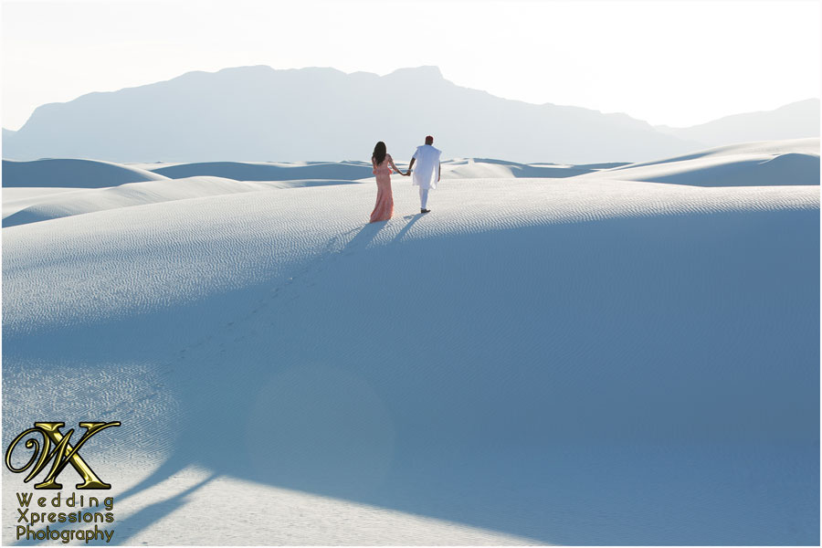 gorgeous photo of couple at White Sands