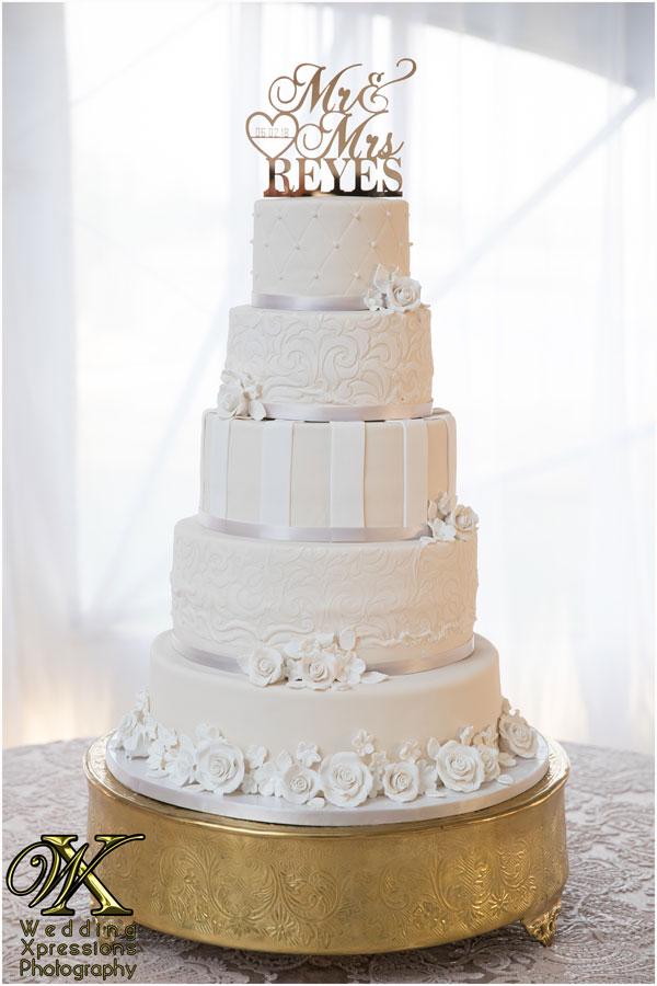 wedding cake at Grace Gardens