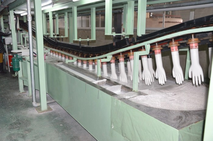 Disposable Vinyl Glove Dipping Production Line 5