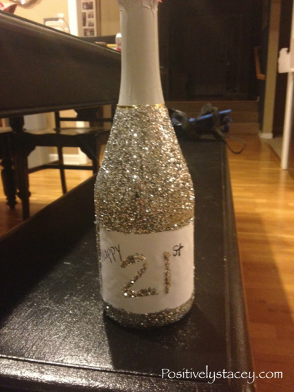 Sparkle On! How to Add Glitter to a Bottle