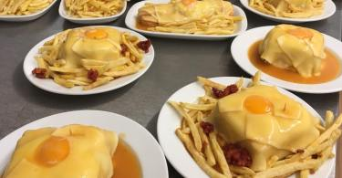 Francesinhas - Plat traditionnel de Porto - Croque Monsieur geant portugais