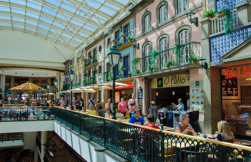 Food Court du Via Catarina Shopping - Etage restauration - Porto