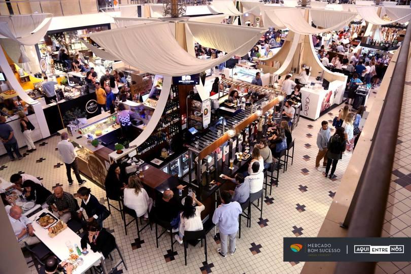 Mercado do Bom Sucesso - Marche avec stands de restauration - Porto