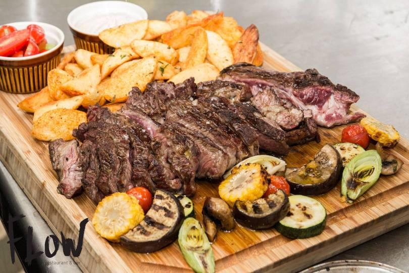 Cote de veau grillee de 1kg et ses accompagnements - restaurant Flow - Porto