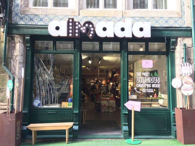 Devanture Almada 13 - 5 concept stores en 1 espace - Porto