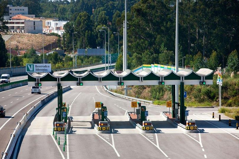 Peage sur autoroute du Portugal avec dispositif electronique Via Verde