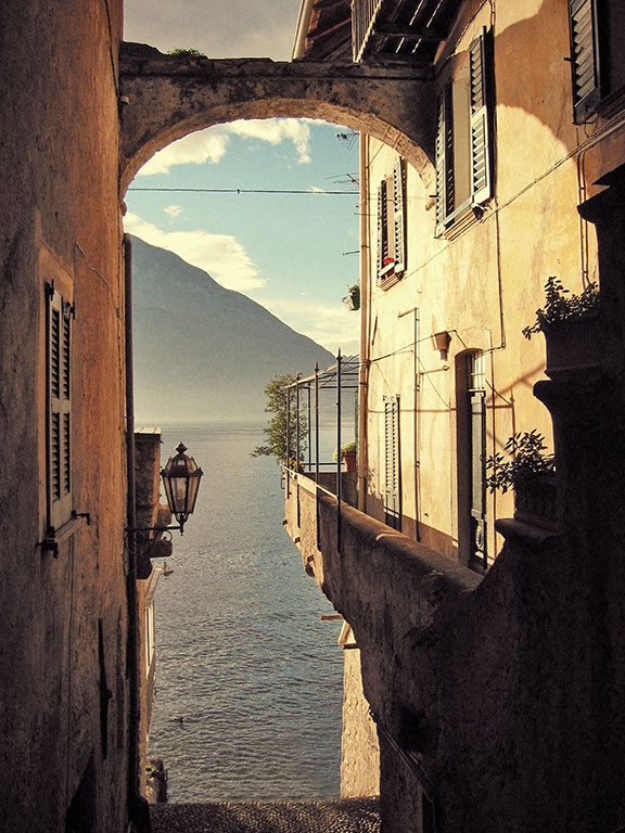 varenna italy lake como-4 romantic weekend in love