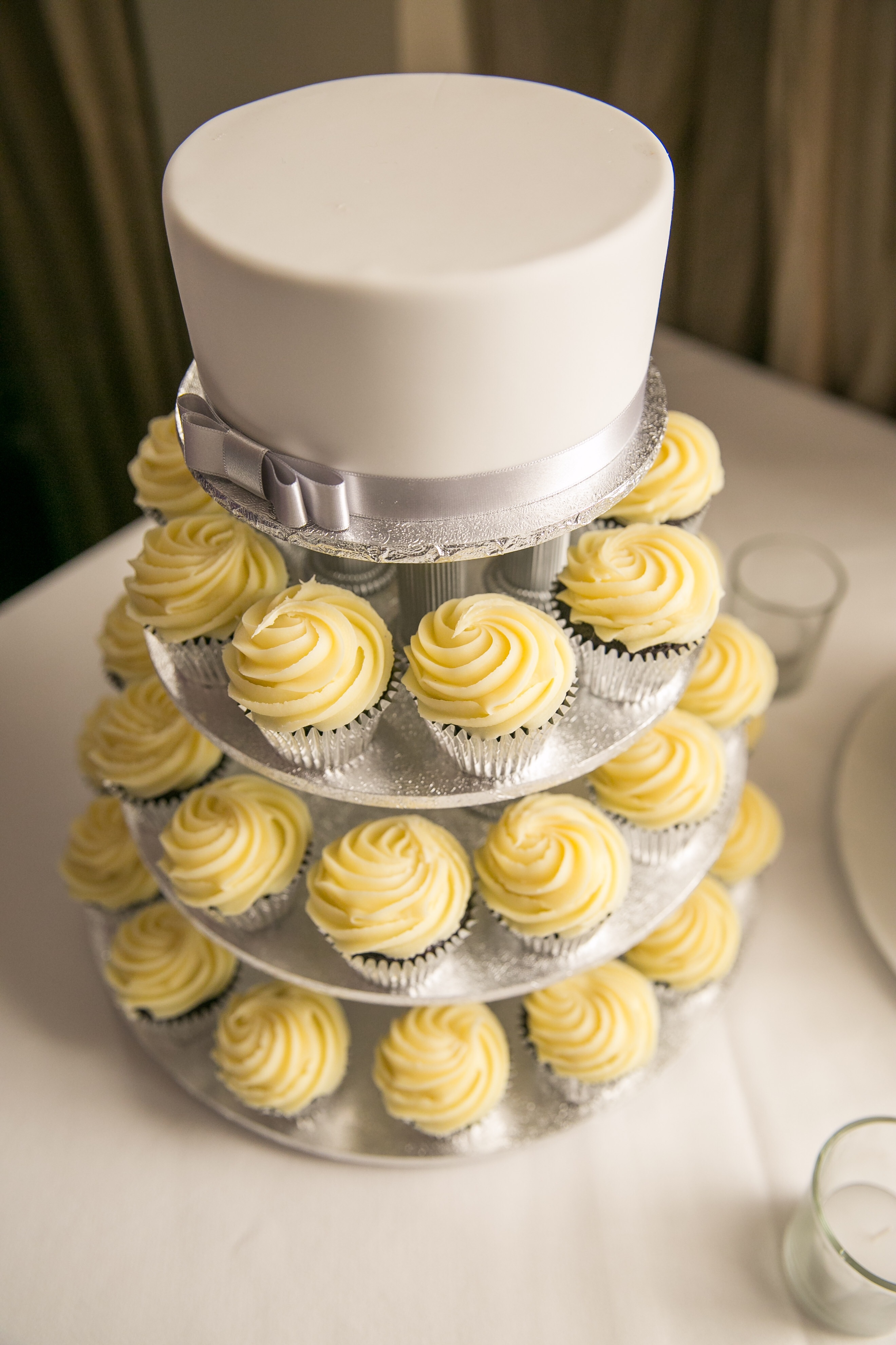 Modern wedding cakes for the holiday  Cost of wedding cakes in     Cost of wedding cakes in johannesburg