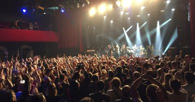 French say 'Non' to Islamist performer at Bataclan