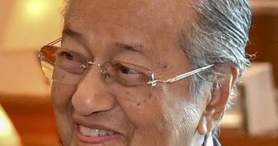 Mahathir describes Jews as 'hook-nosed,' challenges 6 million murdered in Holocaust