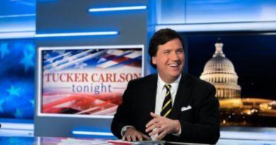 Pro-Democrat mob attacks home of Tucker Carlson of Fox News!