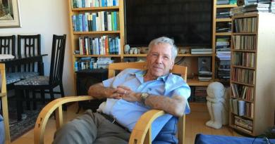 Amos Oz: Outlived, always, by the power of his words