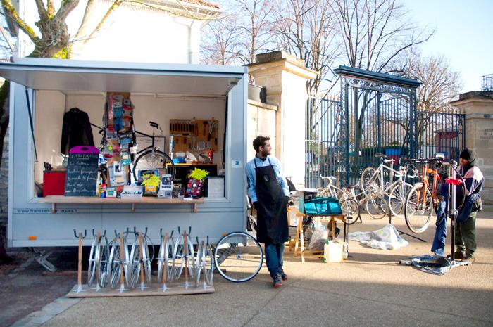 Le Triporteur, l'atelier vélo itinérant de Charles