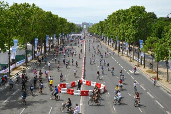 Rendez-vous aux 24h Vélib' sur les Champs-Elysées