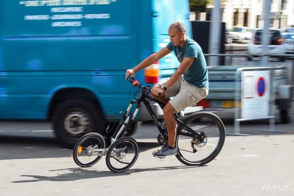 Addbike, transformez votre vélo en triporteur pendulaire !