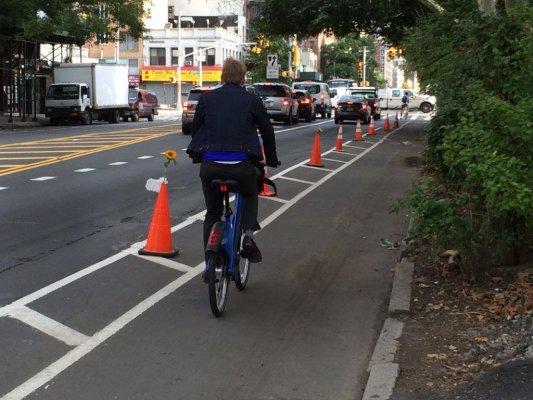Guerilla urbaine, le mouvement des cônes de signalisation