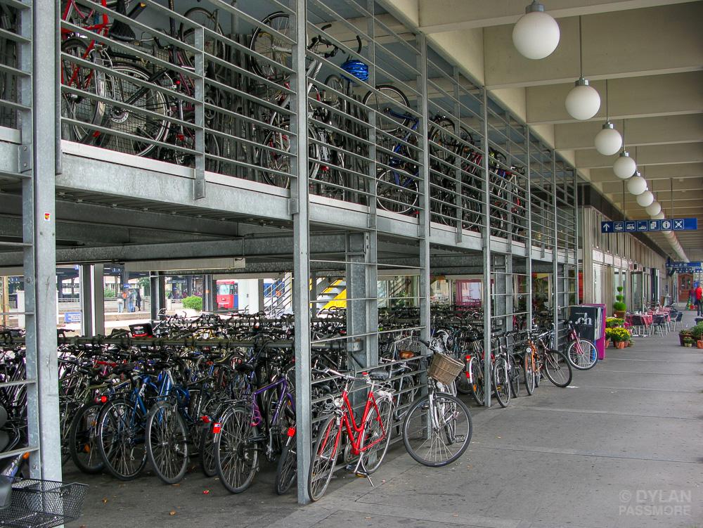 Des parkings vélos obligatoires dans les bâtiments publics et professionnels dès 2017