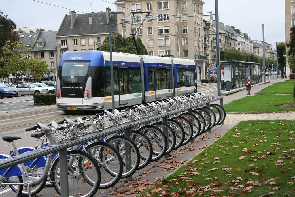 Vélo urbain à Caen : des réussites à la hauteur des difficultés