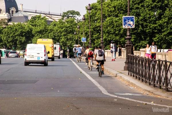 Gilet jaune : quand la Police de Paris oublie son code de la route