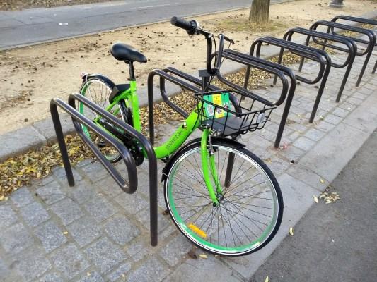 Vélos sans bornes : Paris envisage une taxation du service