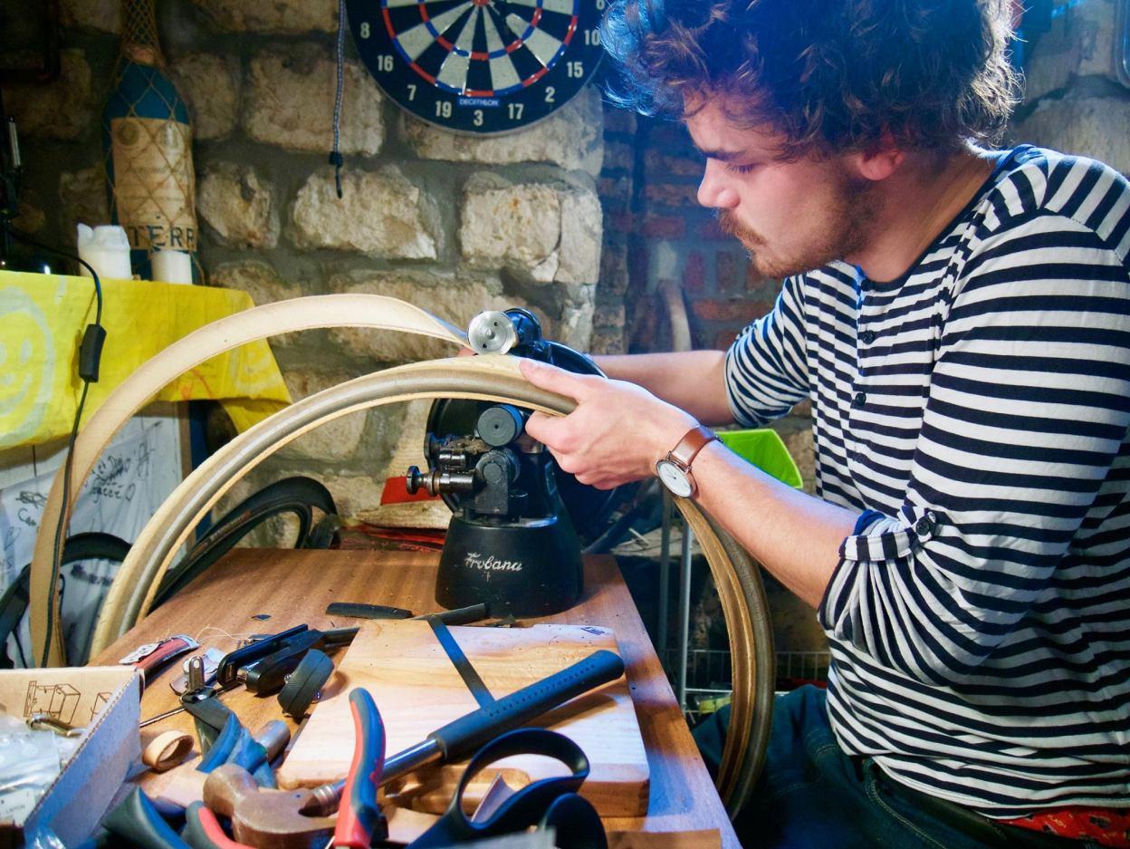 Interview: La vie est Belt, les ceintures en pneus vélo recyclés