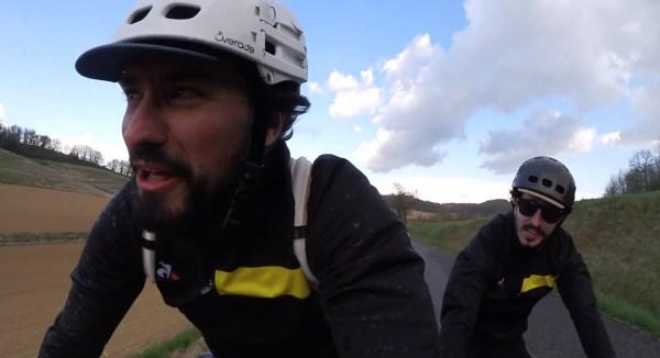 2 vélos 1 micro, une tournée de stand-up à vélo