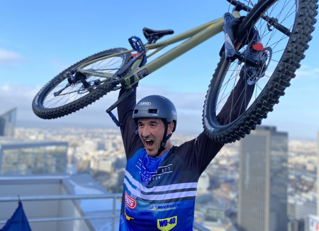 Du vélo, des marches et des rêves, Aurélien Fontenoy au sommet pour les enfants malades